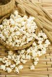 Klassiskt popcorn arkivbild