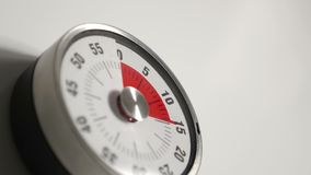 Klassiskt slut för tappningnedräkningtidmätare upp, 45 minuter i skott för 20 sekunder tidschackningsperiod lager videofilmer