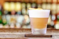 Klassiskt surt recept för whisky arkivfoto