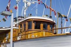 Klassiskt trämaktfartyg royaltyfria bilder