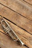 Klassiskt trumpet- och kopieringsutrymme royaltyfria bilder