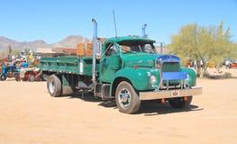 Klasyczna amerykanin ciężarówka: 1961 Mack B-61 Zdjęcie Royalty Free