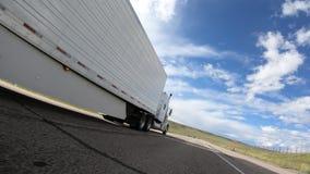 Klasyczna ciężarówka Dogania zbiory wideo