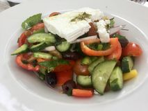 klasyczna grecka sałatka Świeży Jarski smakosz zdjęcia stock