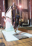 Klasyczna retro stylowa ręczna szwalna maszyna Zdjęcia Royalty Free