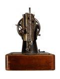 Klasyczna retro stylowa ręczna szwalna maszyna widok z powrotem Na bielu Obrazy Royalty Free