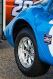 Klasyczna samochód wyścigowy opona, podnoszący samochód Obrazy Stock