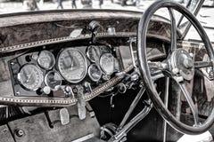 Klasyczna samochodowa deska rozdzielcza Obrazy Royalty Free