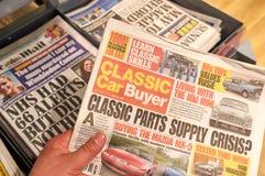 Klasyczna Samochodowa nabywcy gazeta Obraz Royalty Free