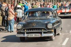 Klasyczna samochodowa parada świętuje wiosnę w Szwecja Obraz Stock