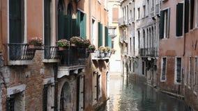 Klasyczna venetian kanału lub kanału ulica, Włochy zbiory