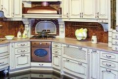klasyczna wewnętrzna kuchnia fotografia stock
