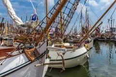 Klasyczne drewniane łodzie przy żaglem 2015, Amsterdam holandii krajobraz Zdjęcie Royalty Free