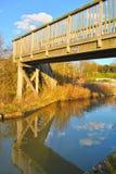 Klasycznej architektury drewniany most nad Oksfordzkim kanałem zdjęcie royalty free