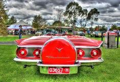 Klasyczni 1960s amerykanin budujący Ford Thunderbird Fotografia Royalty Free