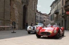 Klasyczni samochody przy Mille Miglia 2016 Fotografia Stock