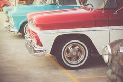 Klasyczni samochody z rzędu obraz royalty free