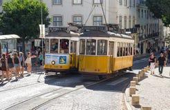 Klasyczny żółty tramwaj Lisbon, Portugalia Obraz Royalty Free