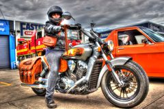 Klasyczny Amerykańsko-indiański motocykl i kobieta Obrazy Stock