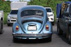 Klasyczny, błękitny Volkswagen Beetle samochód, obraz stock