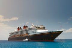 Klasyczny czarny statek wycieczkowy Zdjęcia Royalty Free