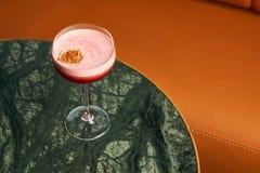 Klasyczny Katana koktajl na stole, zakończenie obrazy royalty free