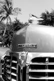 Klasyczny luksusowy Amerykański samochodowy Lincoln przodu kapiszonu szczegół obraz stock