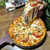 Klasyczny Margarita Pizza• Fotografia Stock