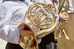 Klasyczny Mosiężny zespół bawić się musical w ogródzie obraz royalty free