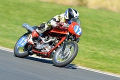 Klasyczny motocykl na biegowym śladzie Obraz Stock