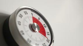 Klasyczny rocznika odliczanie zegaru zakończenie up, 60 minut w 20 sekund czasu upływu strzale zbiory wideo