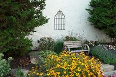 Klasyczny romantyczny ogrodowy pełny kwiaty dla ślubu Obrazy Royalty Free