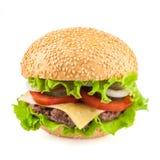 Klasyczny smakowity cheeseburger odizolowywający na białym tle Zdjęcia Royalty Free