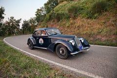 Klasyczny sporta samochodu Alfa Romeo 6C 2300 b Mille Miglia 1937 w G zdjęcie stock