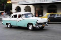 Klasyczny stary amerykański samochód na ulicach Hawański Obrazy Stock