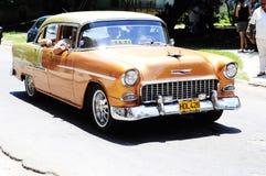 Klasyczny stary amerykański samochód na ulicach Hawański Obraz Stock