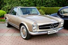 Klasyczny stary samochód Obrazy Royalty Free