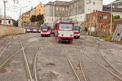Klasyczny tramwaj w tramwajowej zajezdni Zdjęcie Royalty Free