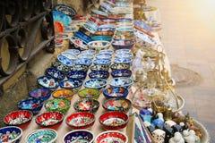 Klasyczny Turecki Ceramics na kontuarze Fotografia Stock