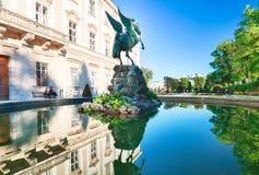 Klasyczny widok historyczny miasto Salzburg z Salzburg Cath Fotografia Stock