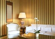 klasyczny wygodny żywy pokój fotografia royalty free
