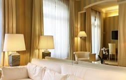 klasyczny wygodny żywy pokój Zdjęcie Royalty Free