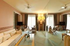 klasyczny wygodny żywy pokój Fotografia Stock
