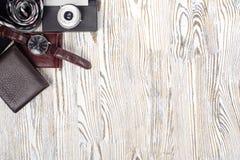 Klasyków mężczyzna ` s butów smartphone zegarka krawata kiesy stylowa kamera Obrazy Stock