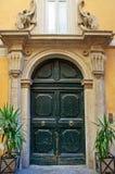 klasyk dekorujący drzwi obrazy stock