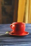 Klasyk dwoista kawa espresso na drewno stole Obrazy Stock