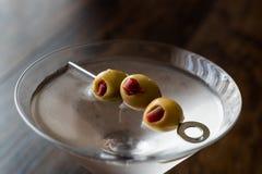 Klasyk Suchy Martini z oliwkami obraz royalty free