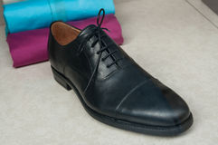 klasyka but dla mężczyzna w sklepie Zdjęcia Royalty Free