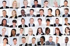 klaszczcie grupy biznesmenów pojedynczy uśmiecha się obraz stock