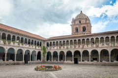 Klasztor Santo Domingo podwórze przy Qoricancha inka ruinami - Cusco, Peru Obrazy Stock